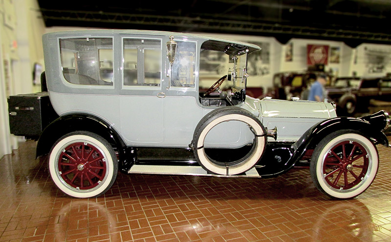 1916 Pierce-Arrow Limousine Model 38-C-4
