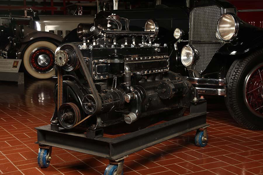 Pierce-Arrow motor
